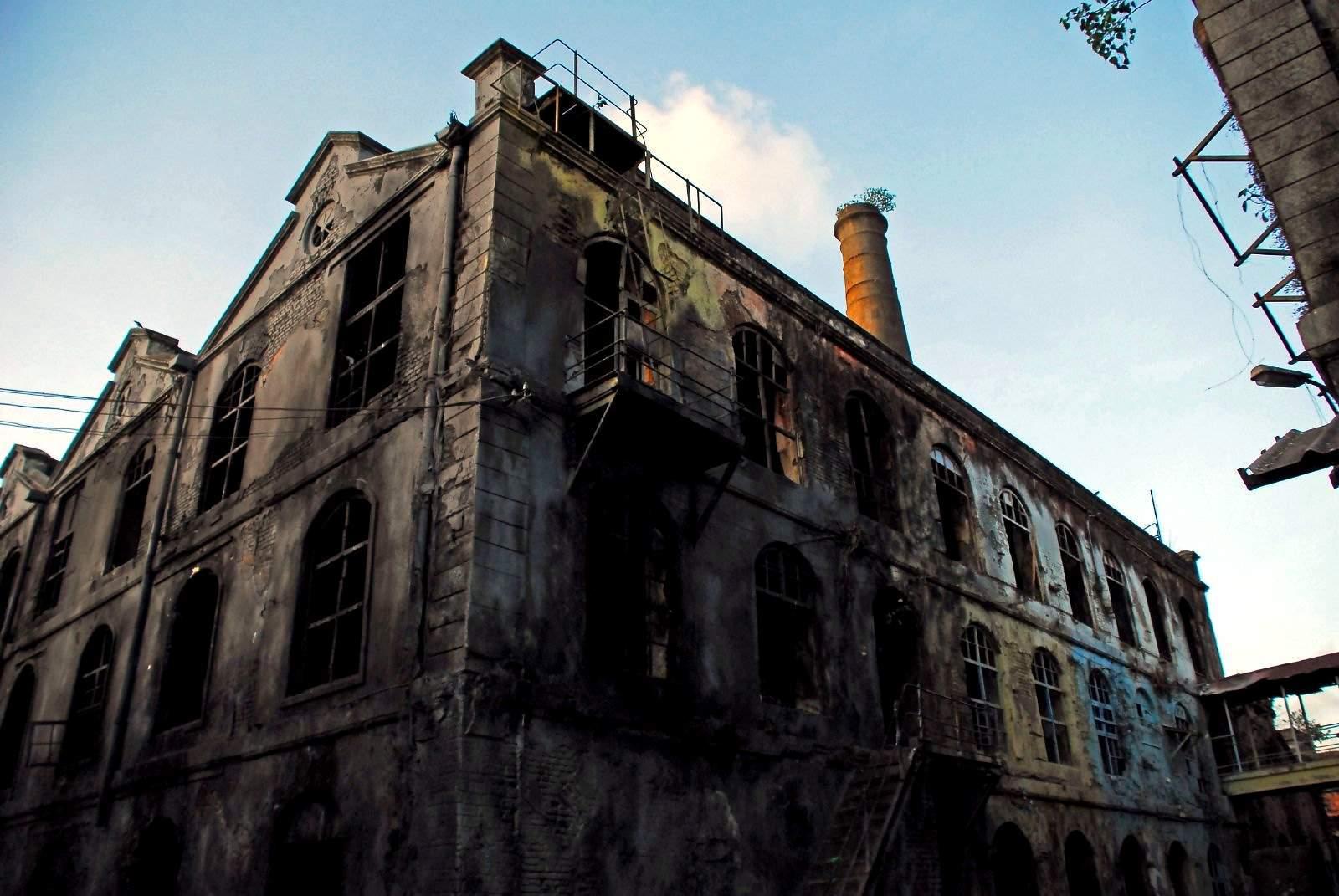 Mukesh Mills – The terrifying story behind the abandoned 19th-century textile mills in Mumbai 3