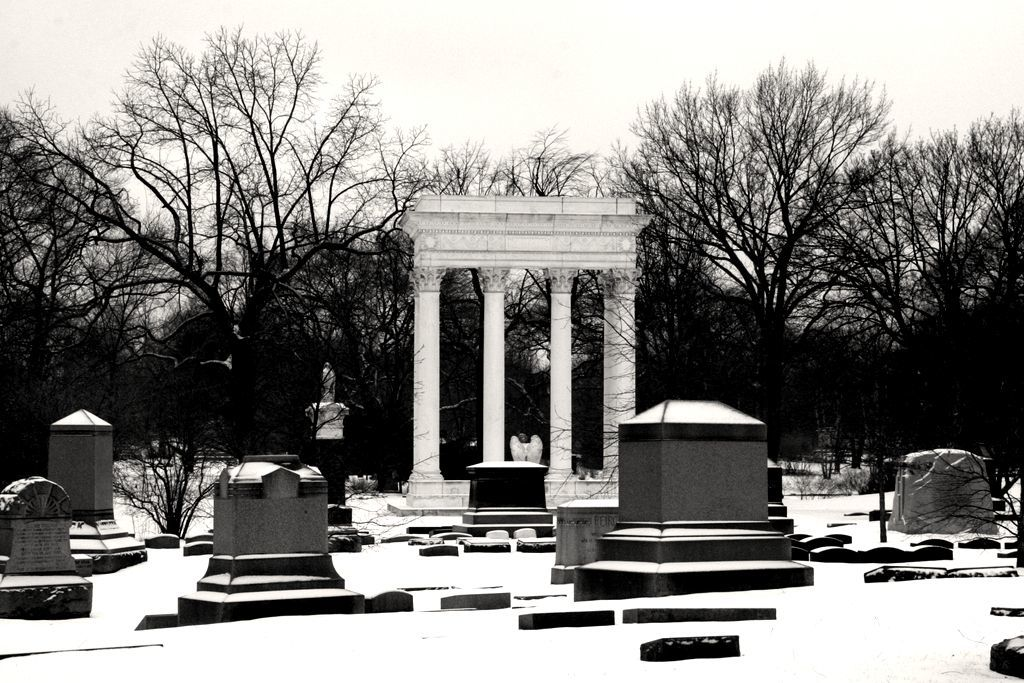 Haunted cemetery in Chicago