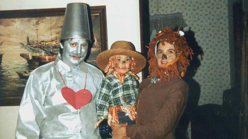 Keith, Elaine and Peter Dardeen Halloween (Source: Joeann Dardeen)