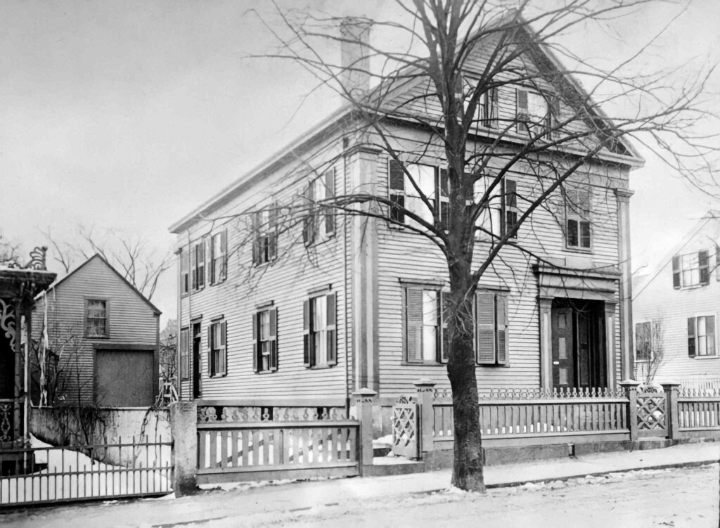 The Borden household at 92 Second Street in Fall River, Massachusetts 41.6989°N 71.1562°W