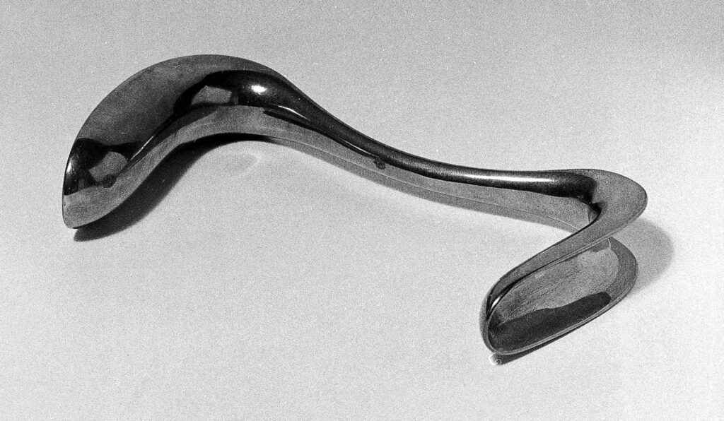 """The """"Sims Speculum"""", a tool that he introduced into his victims by experimenting."""
