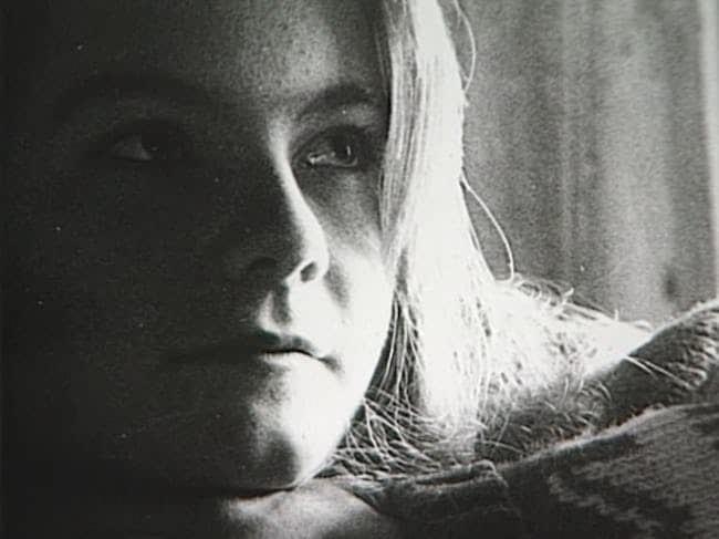 Wie heeft Karina Holmer vermoord? En waar is de onderste helft van haar torso?