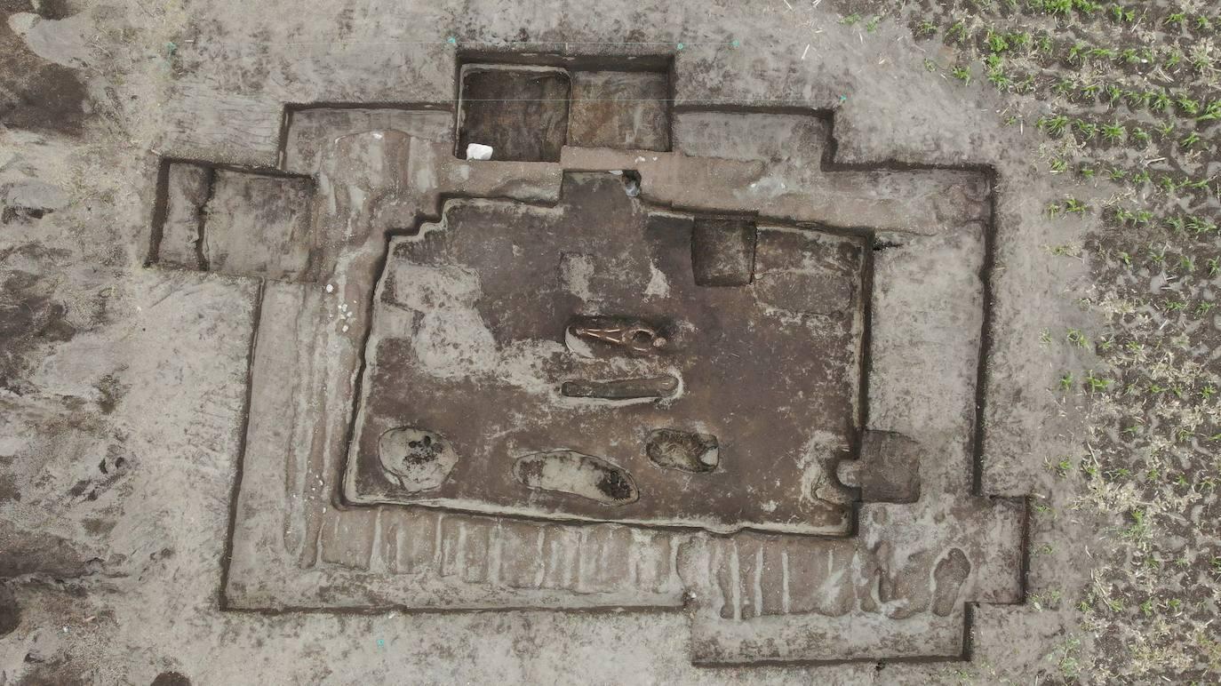 Ở độ cao 3,000 mét, những hiện vật bí ẩn được tìm thấy trong nghĩa trang Inca cổ đại ở Ecuador