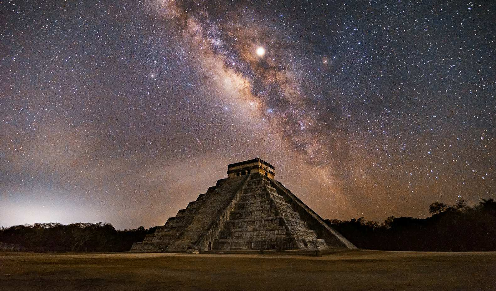 Ancient artifacts found in Mexico would prove Mayan contact with aliens 4