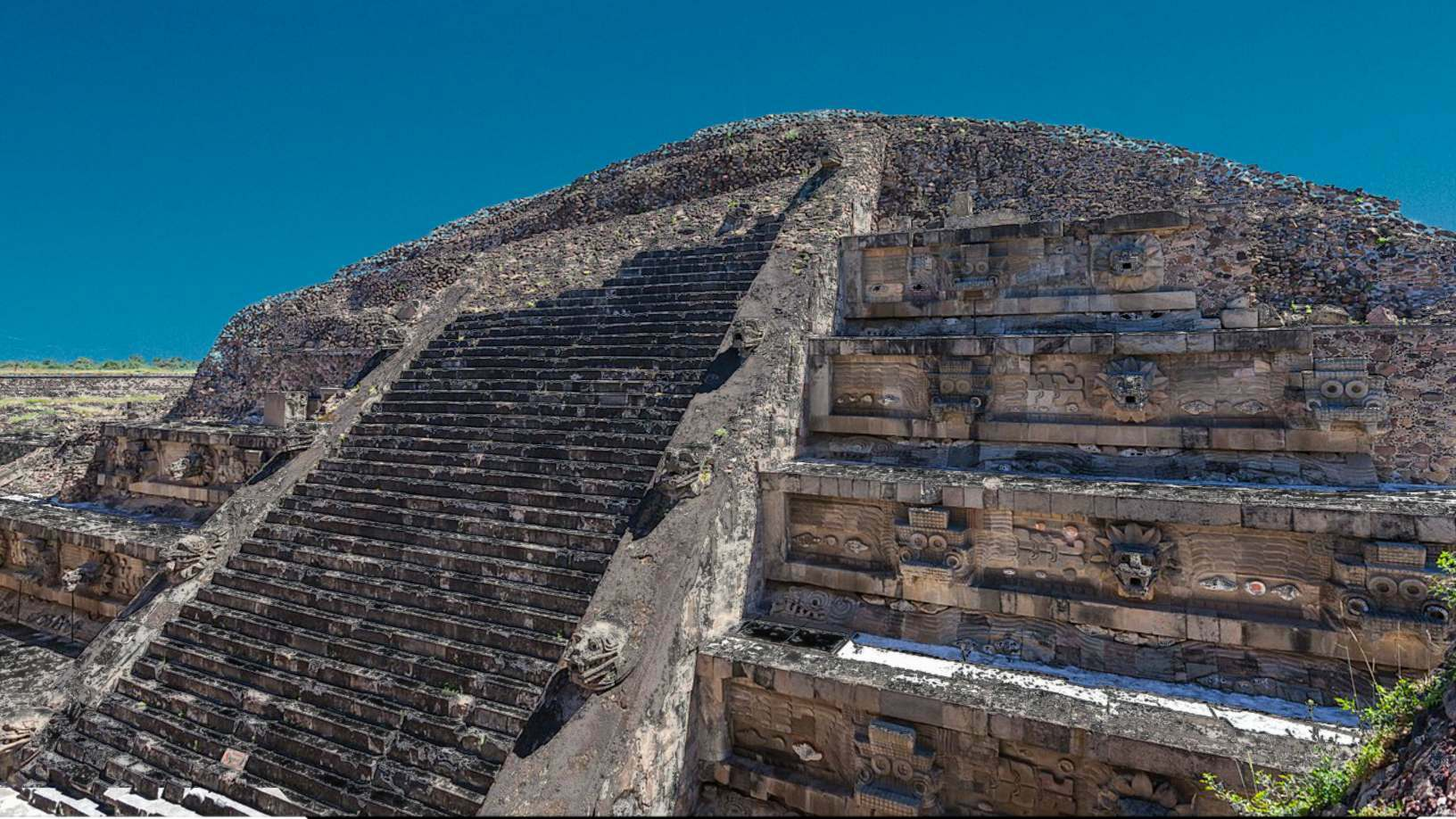 Were the Mayans visited by ancient astronauts? 5