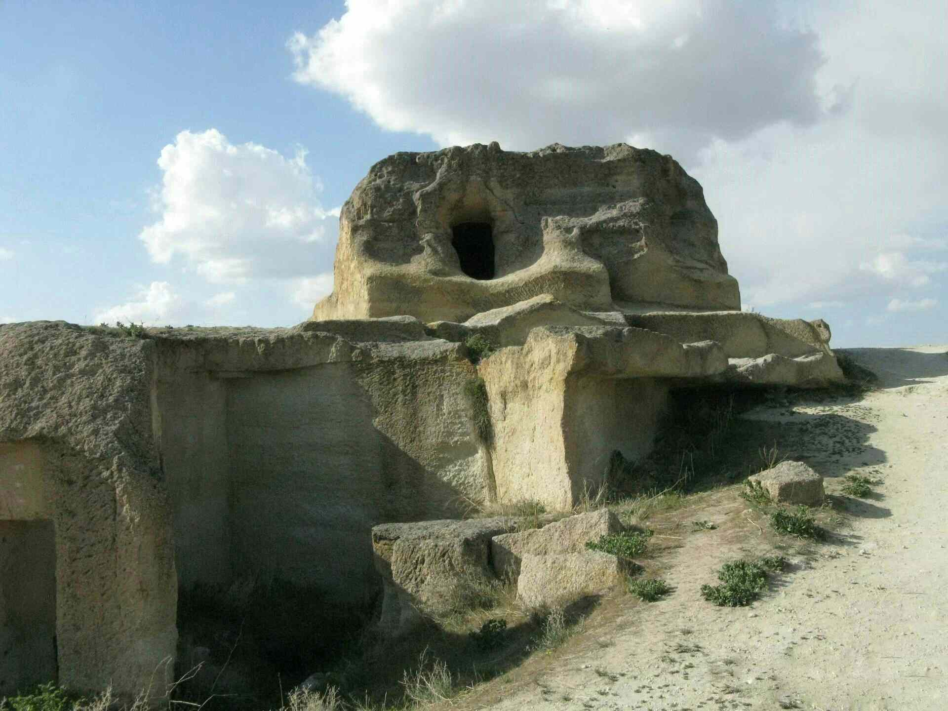 A huge million-year-old, advanced man-made underground complex existed in the past 6
