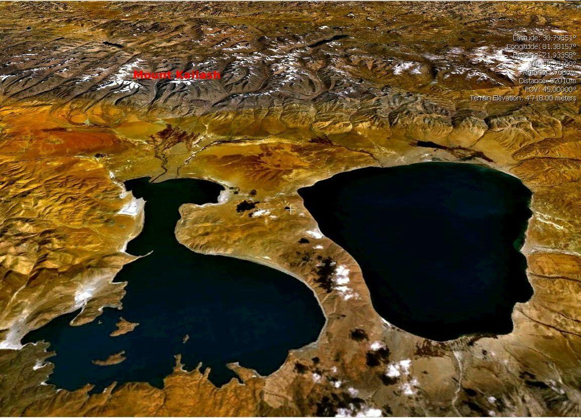 Hồ Manasarovar (phải) và Hồ Rakshastal