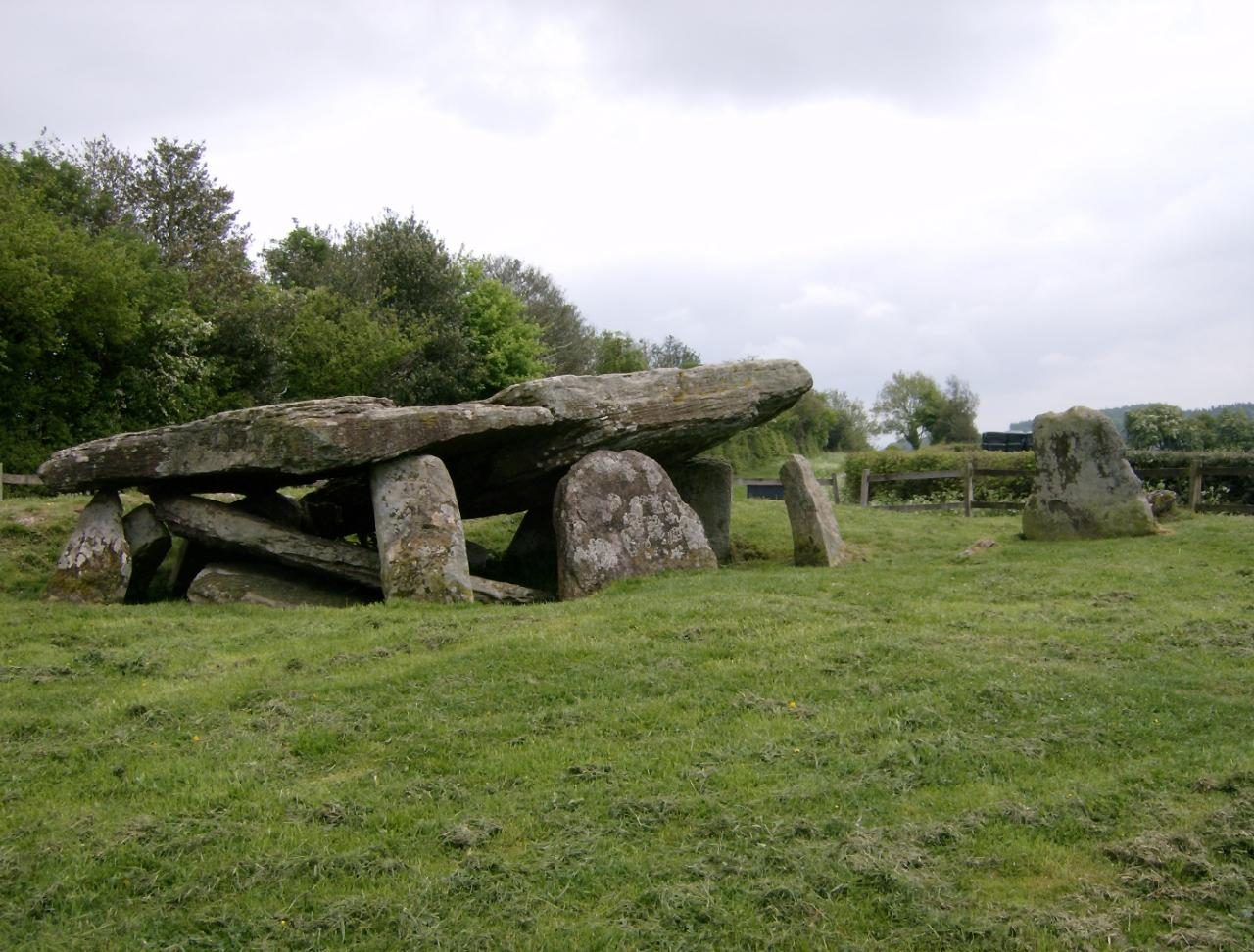 Archaeologists have discovered the origin of a well-known Stone Age monument 3