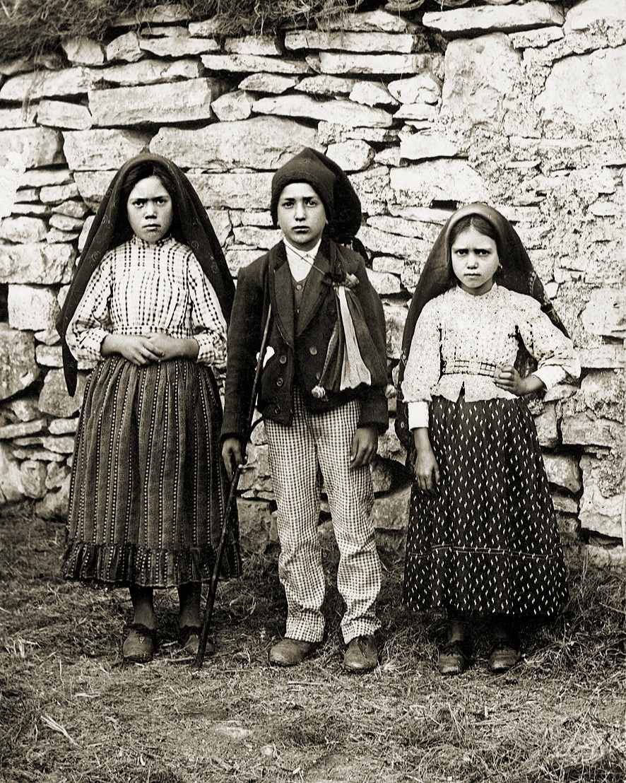 Miracle of the sun Fatima apparitions 1917