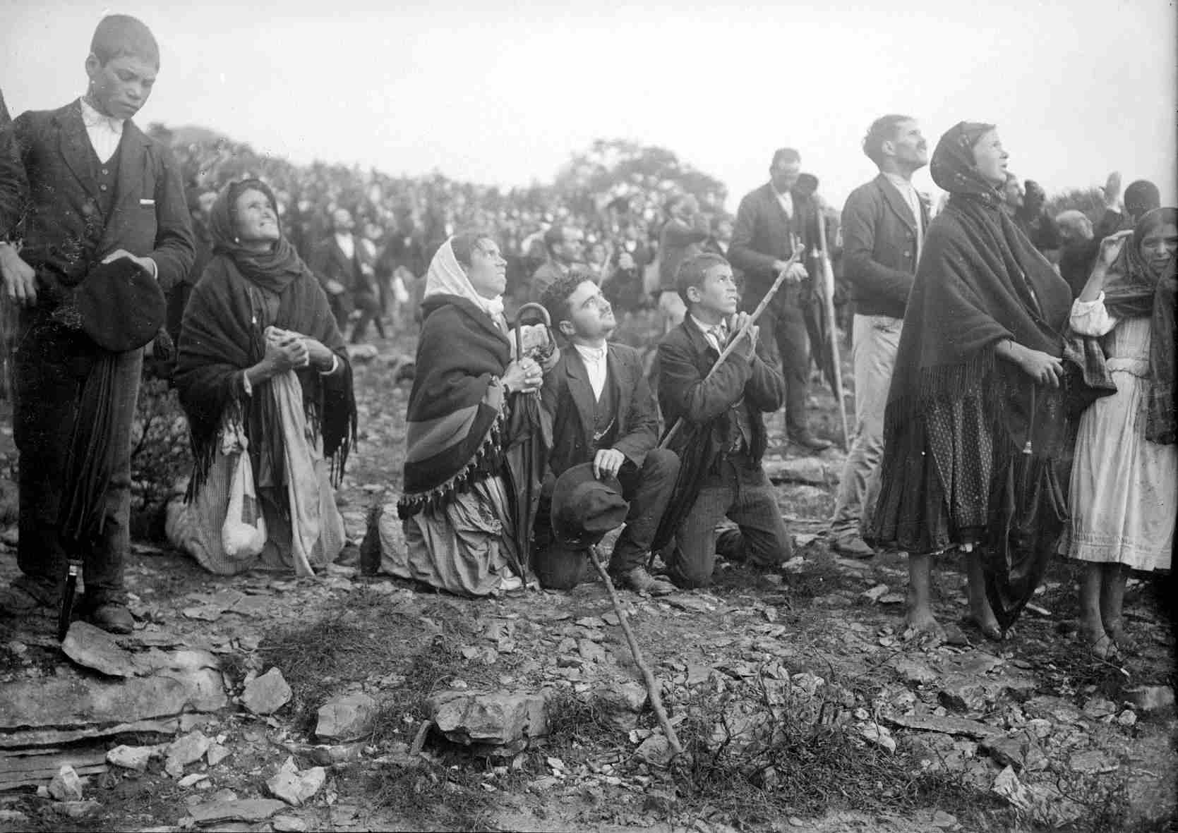 The Miracle of the Sun & the Lady of Fatima 3