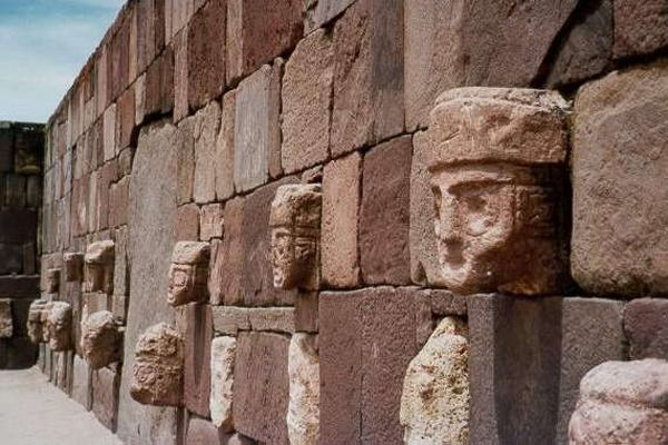 """The secrets of Tiwanaku: What's the truth behind the faces of """"aliens"""" and evolution? 4"""