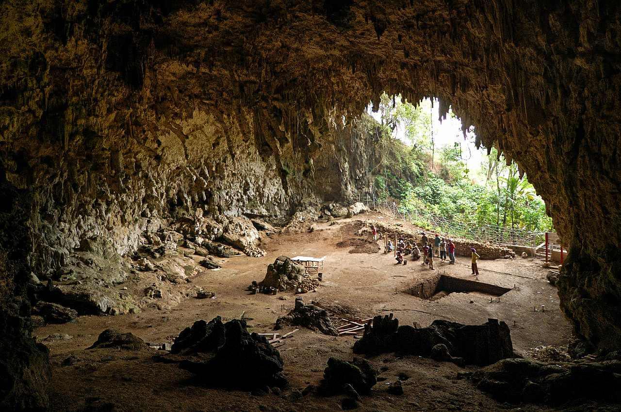 Inheemse Amerikanen beweren dat het Pryor-gebergte de thuisbasis is van de mysterieuze (hobbit-achtige) kleine mensen! 8